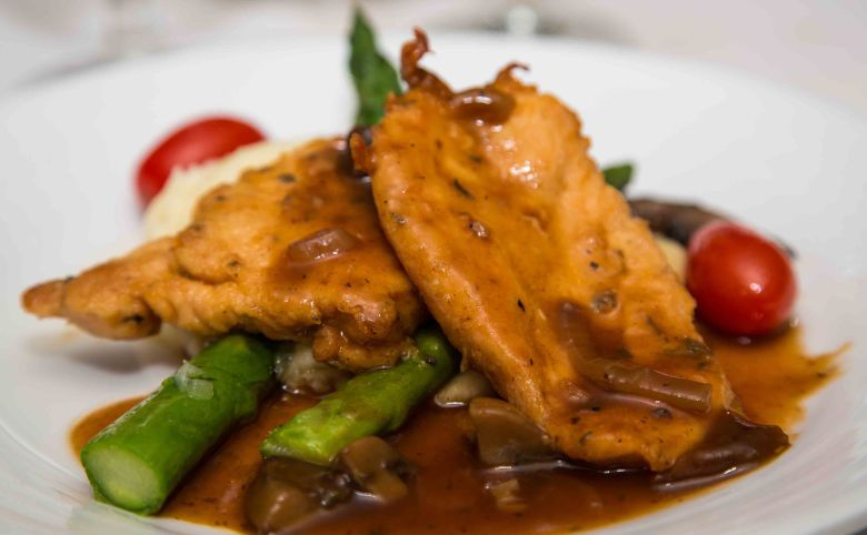 Chicken in wine sauce