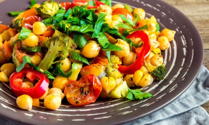 chickpea salad - conquer bad eating habits when stressed