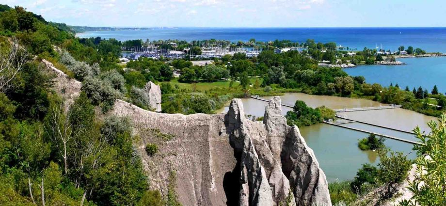 Scarborough Bluffs, Toronto for a staycation