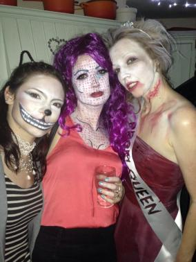 Lady Gabe as the Cheshire Cat, Roxy and Danni