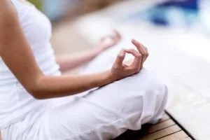 Yoga-woman-meditating-and-maki-46483552