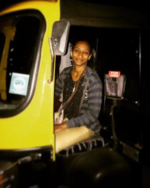 india-rikshaw-woman