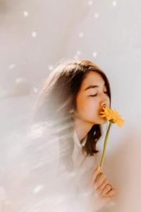 beautiful-woman-closed-eyes2
