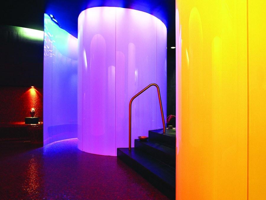 Eine faszinierende Welt von Licht und Dampf im Hamam des Hotels Castell Zuoz.
