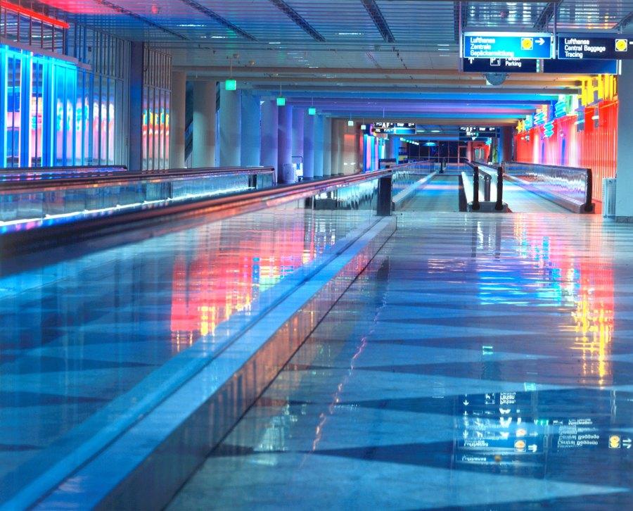 München Airport. Lichtweg 1992. Foto: © Uwe Seyl