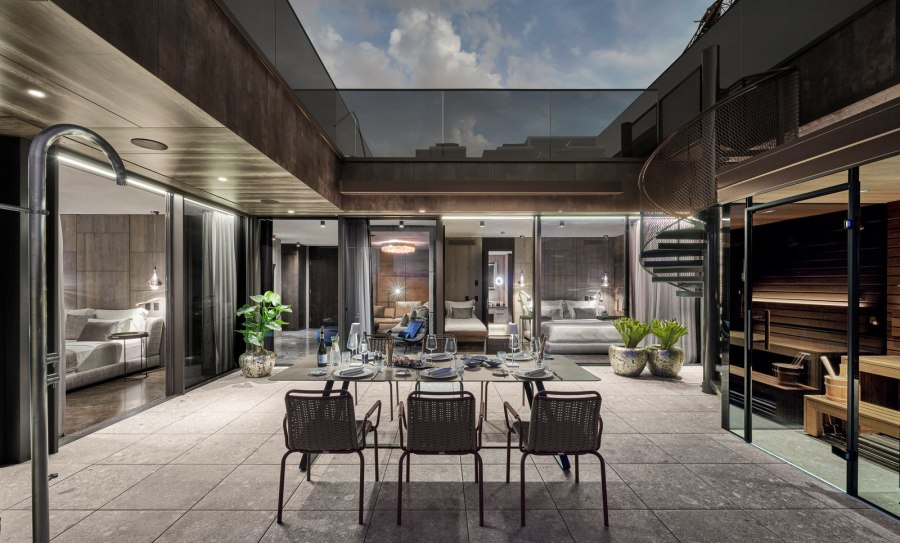Quellenhof Luxury Resort Lazise: Terrasse der Penthouse Pool Villa.