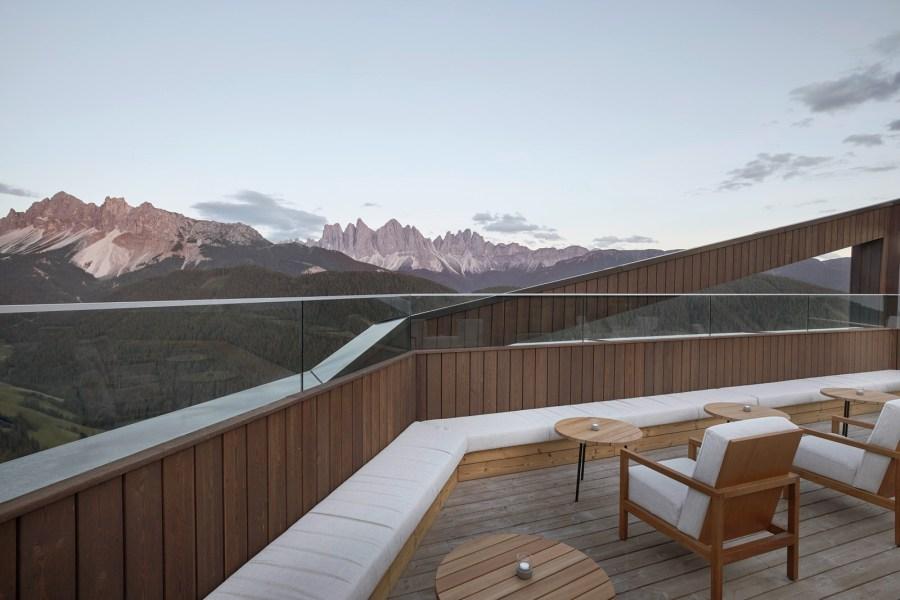 Rooftop mit Dolomiten Blick.