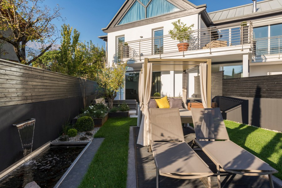 merangardenvilla: Garten mit Hot-Whirlpool