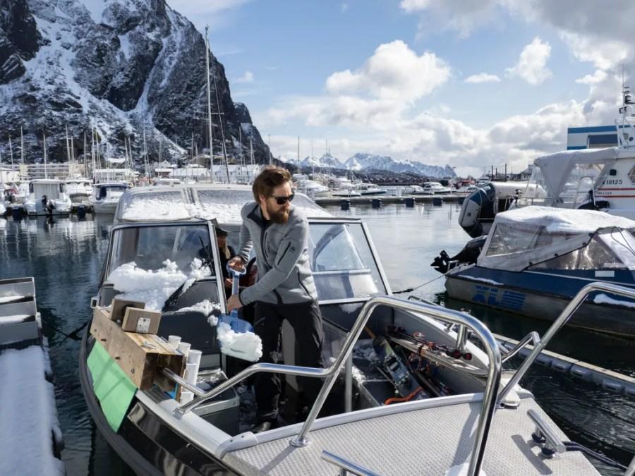 Das Athletenteam von Aclima besteht vor allem aus Bergführern, Abenteurern und Skifahrern. Zudem wurde in Zusammenarbeit mit dem norwegischen Hundeschlittenführer und Abenteurer Lars Monsen eine eigene Bekleidungslinie entwickelt.