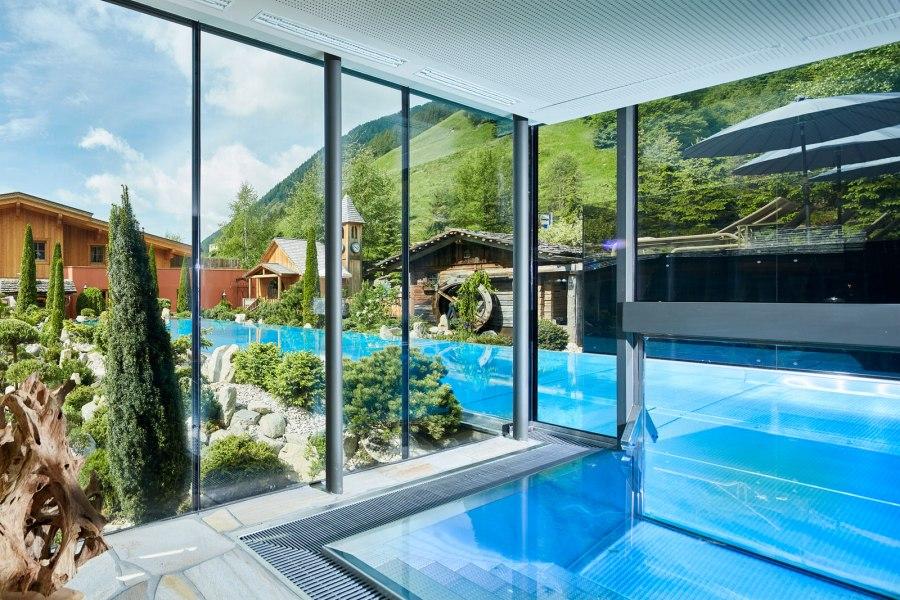 Hotel Quelle, Infinity-Pool-Inneneinstieg