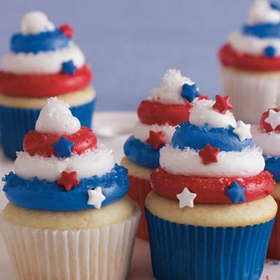 red_white_blue_cupcakes_bc