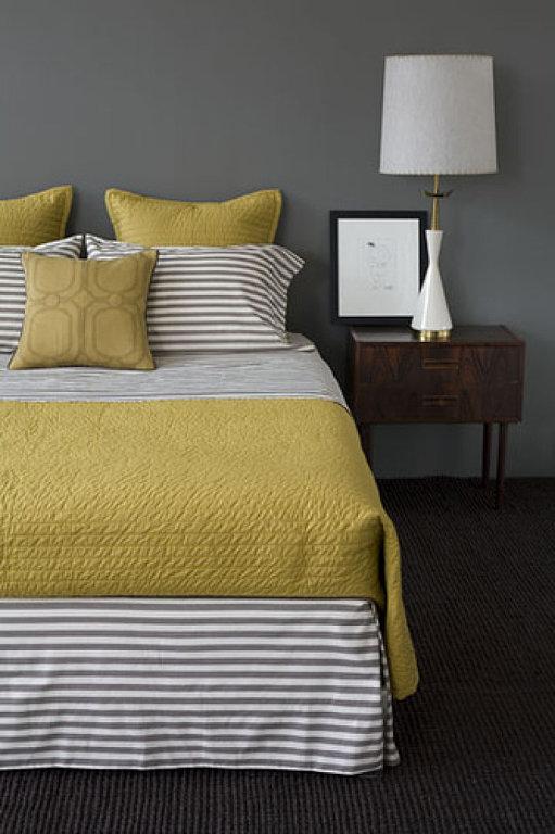 yellow_gray_bedroom