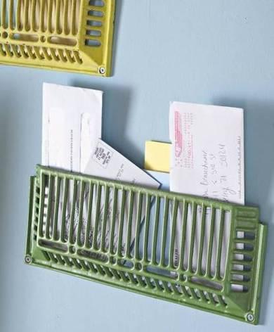 apartmenttherapy-repurposed-metal-grates-for-wall-organization