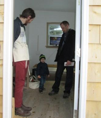 Thomas Willis with visitors