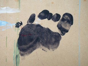 Footprint by Roslyn Burns which designer Jill Porter used to create the 'Footprints' logo for Roslyn's cards