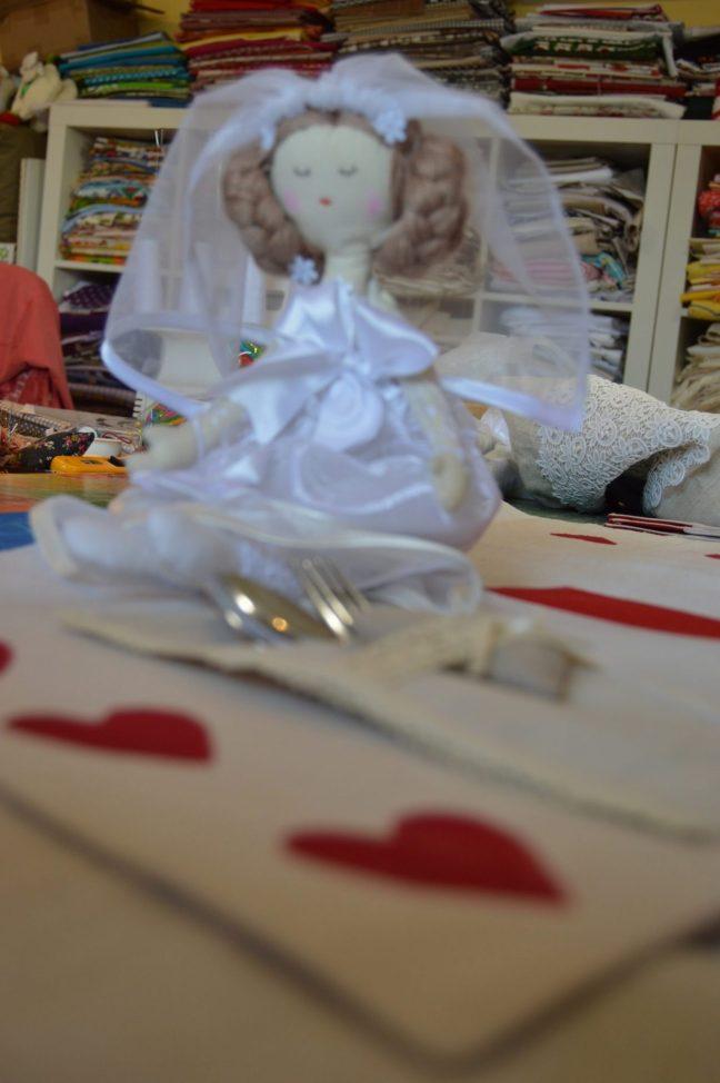svadobná bábika