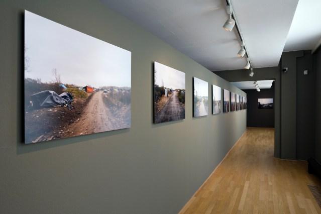 Installation shot Henk Wildschut – Calais. From Jungle to City, 2016 at Foam © Christiaan van der Kooy / Foam
