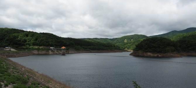 荒砥沢ダムの初夏の風景写真