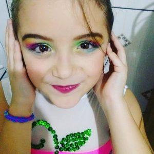 Marina-Leao-6 anos, usuária de Tocilizumabe