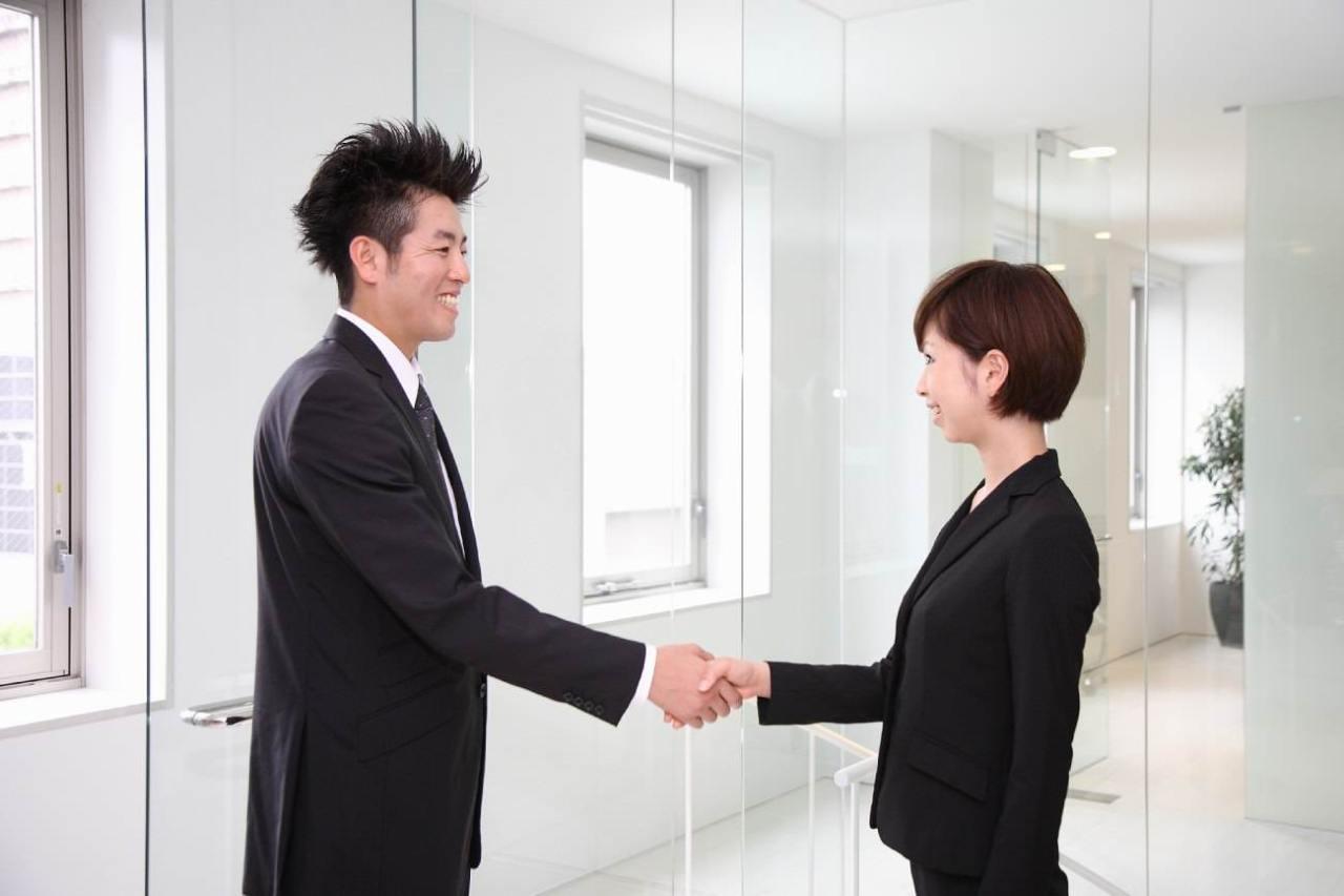 人見知り解消!初対面の人とすぐに仲良くなれる5つの会話術