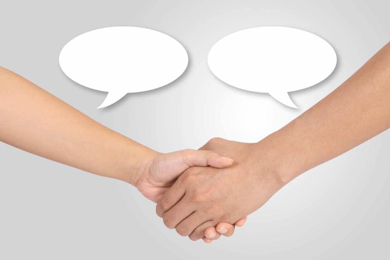 すぐに仲良し!初めて話しかけるときに使いたい4つの便利なフレーズ