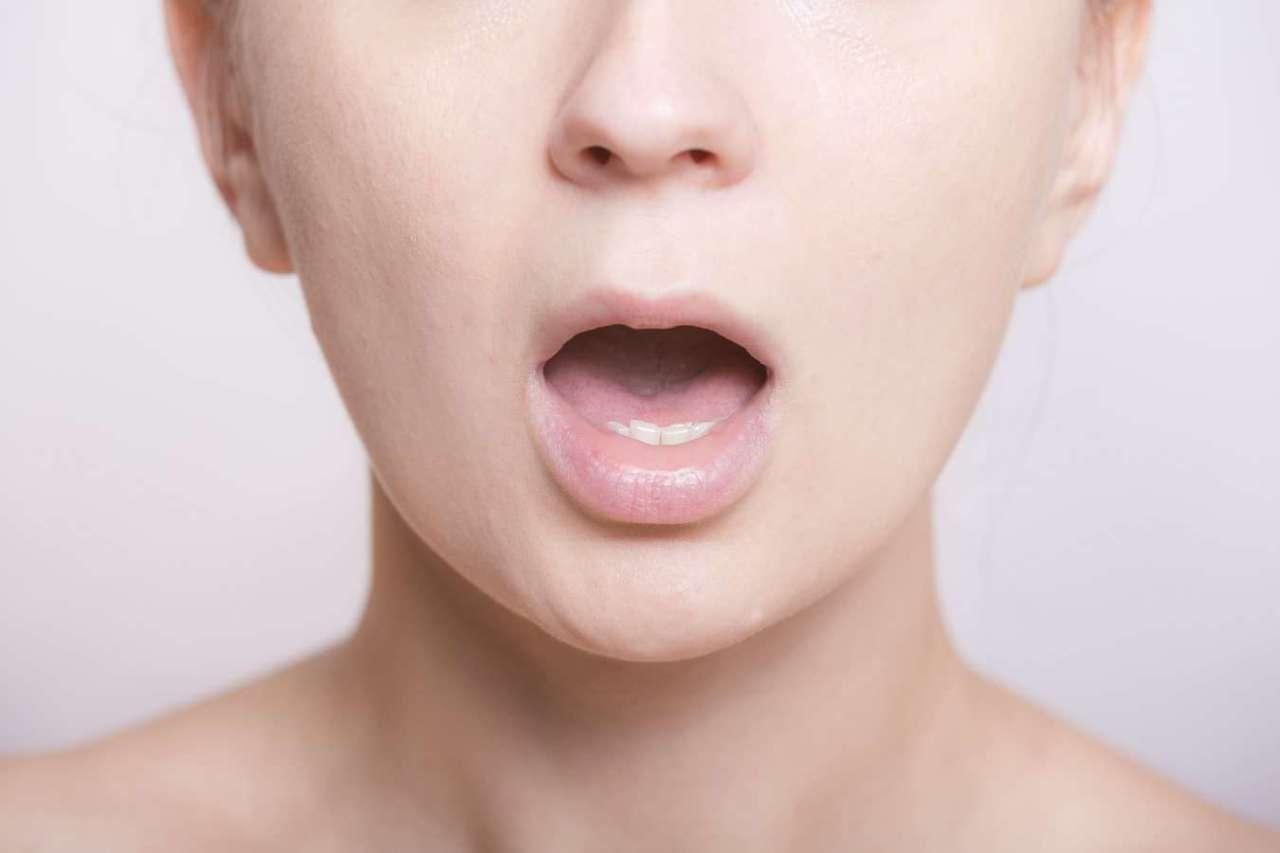 キスもできやしない!くさい口臭を予防するための4つの対策
