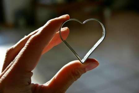 恋愛は略奪愛も自由!恋人がいる好きな人を奪う場合の3つの注意点