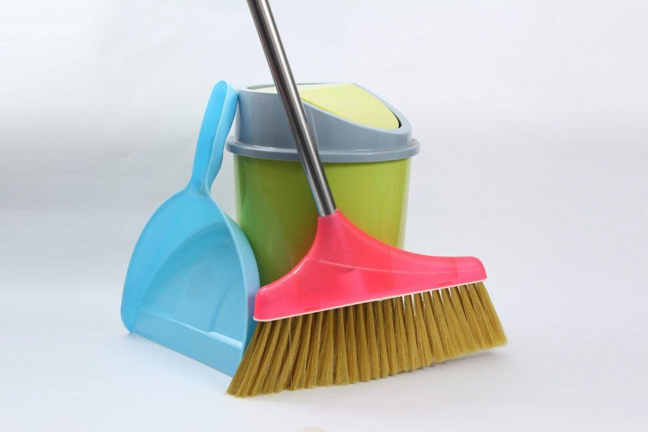 年末の大掃除!窓のサッシや網戸を簡単にきれいにする裏技・コツ3選