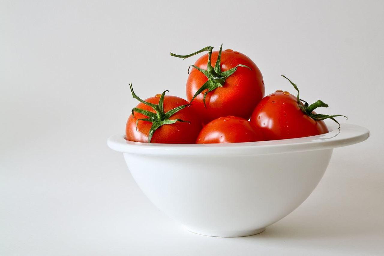 切り方や皮のむき方!簡単にできるトマト調理の便利な裏技・コツ4選