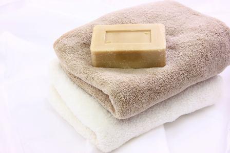 刺激して悪化させないように!ニキビ肌の正しい洗顔方法やその注意事項5選