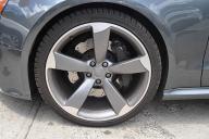 溝や空気圧をチェック!自動車のタイヤの自主メンテナンスの方法・手順