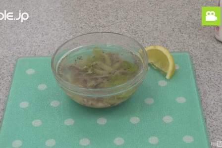 イライラ解消!電子レンジで簡単に作れるセロリのスープの作り方・レシピ