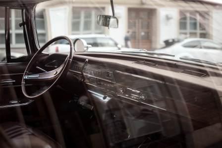 油膜取り剤と空調調整で!車のフロントガラスの内側のくもりを防ぐ対策方法