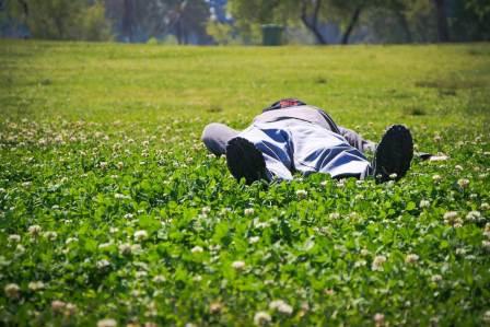 睡眠中につるのを防止!寝ている時に足がつらないようにする対策方法3選
