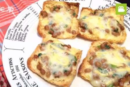 和風ピザで美味しい!納豆と油揚げでサクサクピザの作り方・レシピ
