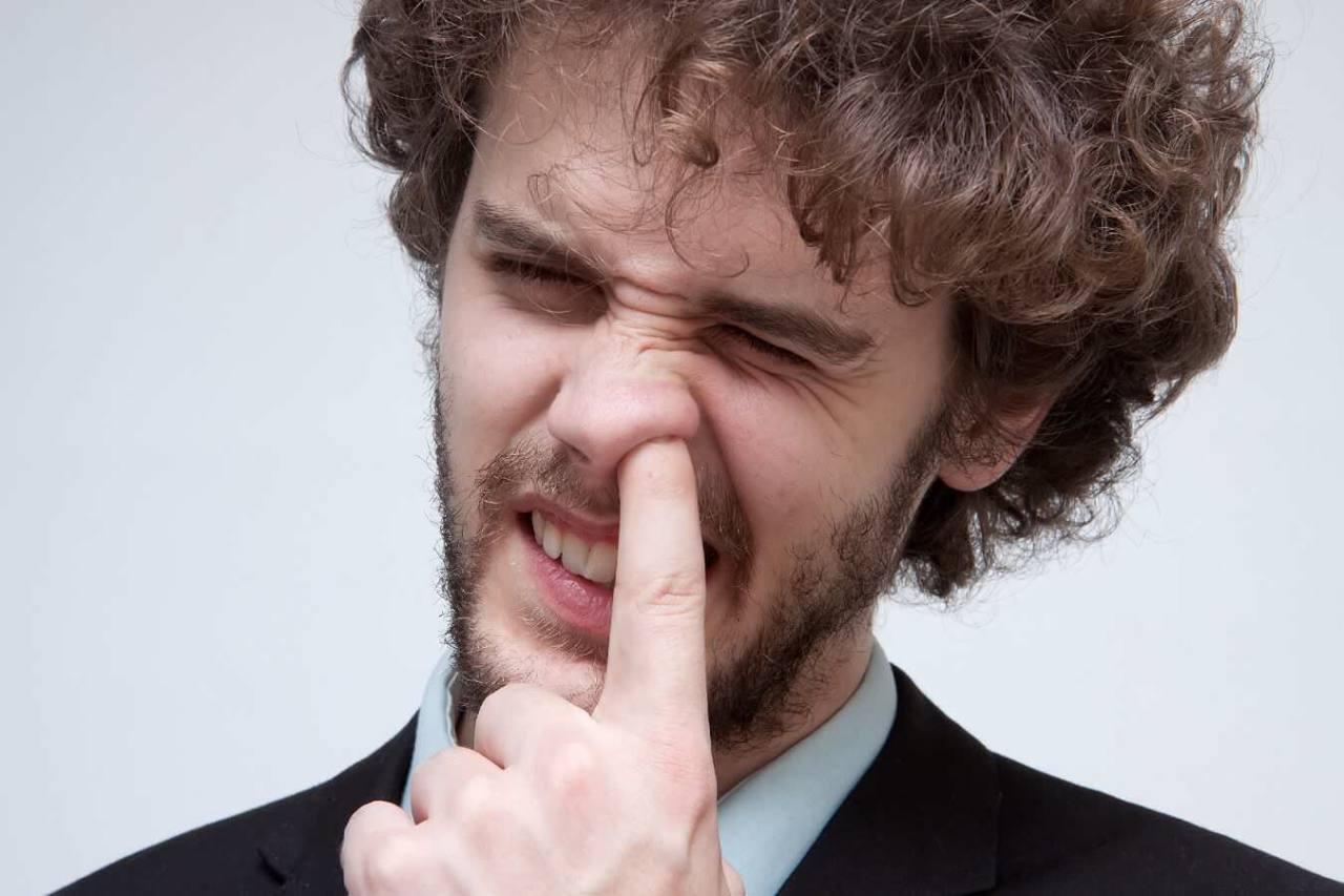 汚いけどやめられない!指を突っ込んで鼻をほじる癖を直す方法6選