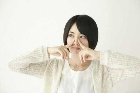 実は危ない!鼻をほじることによる体への悪影響や病気の危険性4選