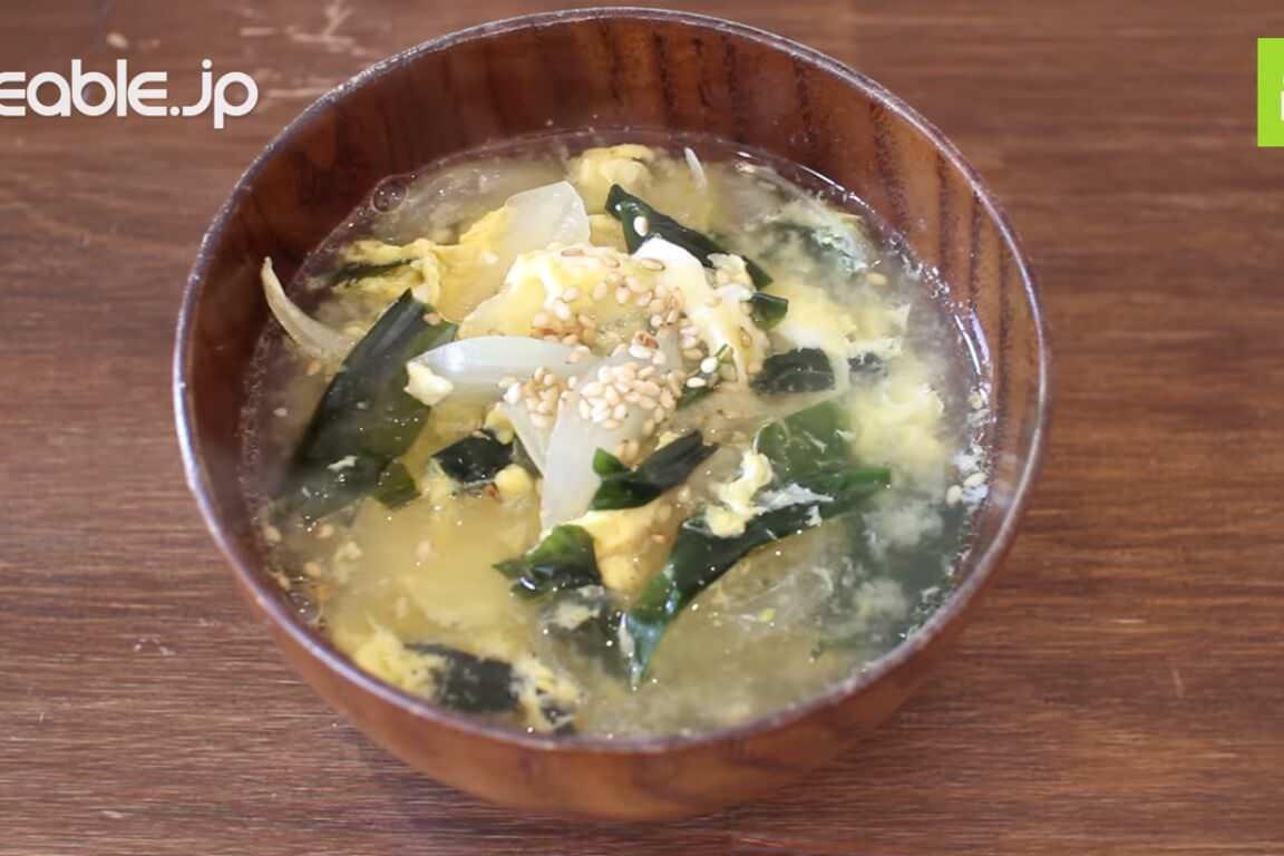 味噌汁の代わりにぴったり!和風だしベースの卵スープの作り方・レシピ