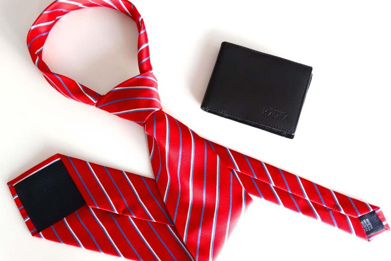 小さくたためる!ネクタイのコンパクトでおしゃれなたたみ方