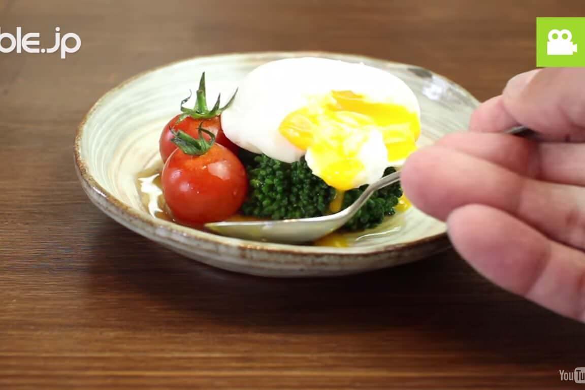 とろとろ半熟卵!ナンプラーを使ったポーチドエッグの作り方・レシピ