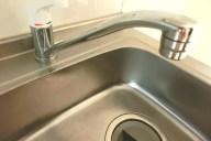 詰まりを解消!洗面所や台所の排水口が詰まった時の対処法3選