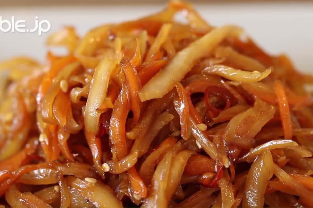 捨てる部分を有効活用!大根とにんじんの皮のキンピラの作り方・レシピ