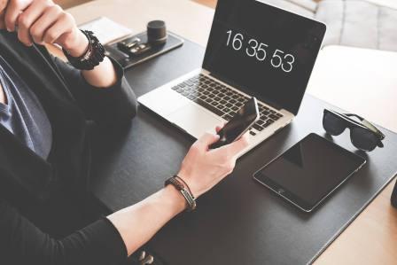 在職中の転職活動を始める時期やタイミングはいつからがベスト?仕事の状況に合わせて決めよう