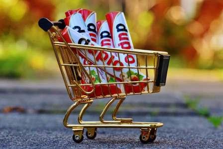 買い物に行くとつい無駄な食材まで買ってしまうのを防ぐ対策方法4選