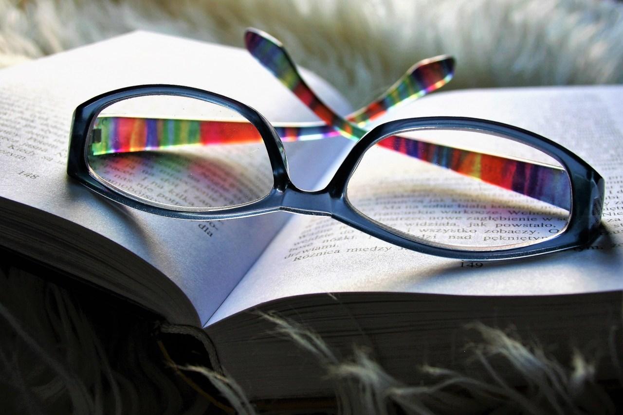 変な音がする…眼鏡からミシミシ・パキパキの異音が鳴るときの原因と対処法