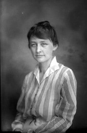 Джорджиа О'Кифф. 1915. Ru.wikipedia.ru.