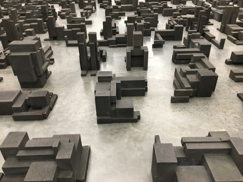 anthony-gormley-fit-sleeping-field-2016-white-cube