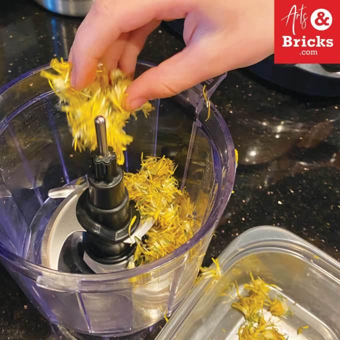 Checkout this simple dandelion playdough recipe to make with your kids. #playdoughrecipe #playdough #dandelion #flower #flowercrafts #forkids #flowerplaydough #nocook #nocreamoftartar #sensoryplay #homemade