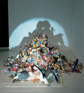 Tim Noble & Sue Webster, Dirty White Trash