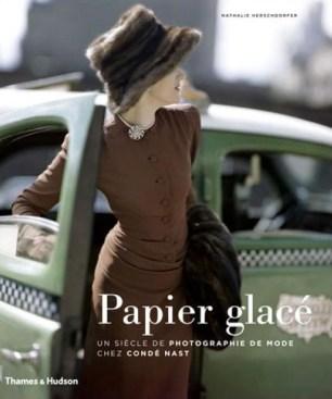 Affiche exposition Papier Glacé. Palais Galliera. Musée de la Mode de la ville de Paris. 2014